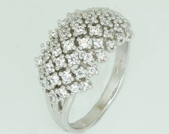 White gold ring K14