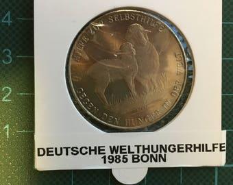 1 x 1985 World Hunger Help (Welthungerhilfe) Bonn Medal