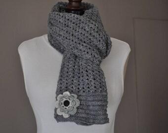 Grey scarf with flower