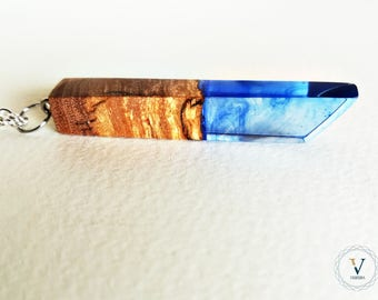 Olive wood and resin-Balance necklace-