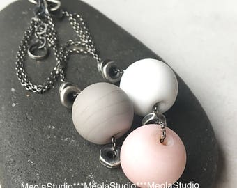 MeolaStudio sterling silver 925 necklace with lampwork beads.