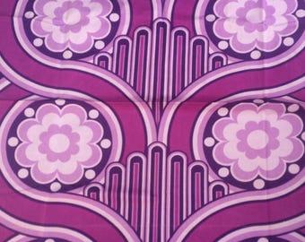Unused vintage 1970s purple violet fabric floral geometric print 122 x 108 cm