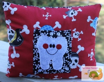 Pirate Tooth Fairy Pillow // Kids Tooth Pillow // Tooth Fairy Pillow // Skull Pillow
