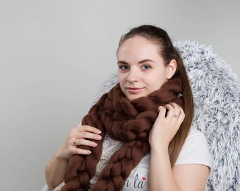 Wool scarf. Chunky scarf. Super bulky scarf. Knitted scarf. Arm knit. Merino wool scarf. Brown scarf. Chain scarf. Luxury wool scarf