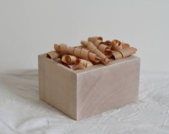 Sycamore Box with Cedar shavings