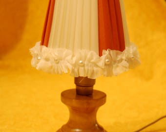 Orange Two-coloured conettes with trimmings in Voulat, lampshades with Voulat, orange and white lampshades, round lampshades