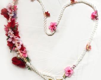 Pink flower wedding leash for a dog