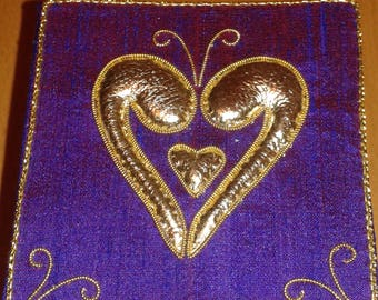 Purple heart silk box with metallic embroidery