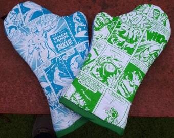 Comic oven gloves