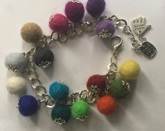 Multicoloured wool balls bracelet