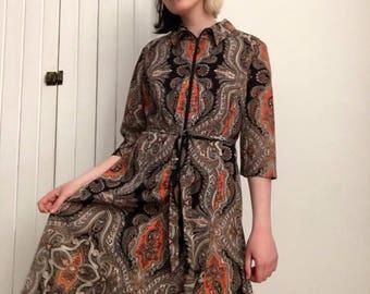 70's paisley zip up dress