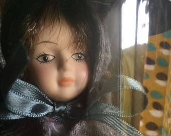 Porcelain Dolls of the World - Canada