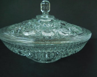 """Vintage Windsor Dish with Lid/Indiana Glass Large 8"""" Diameter"""