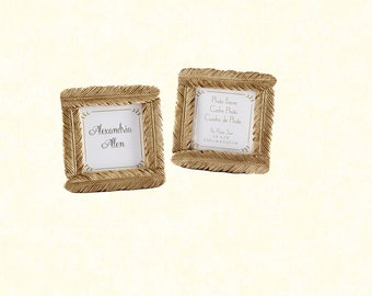 """2.4""""x2.4"""" Feathered Place Card Frame"""