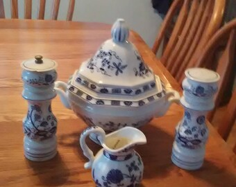 Vintage Vienna Woods Blue Onion Soup Tureen & Cream Pitcher