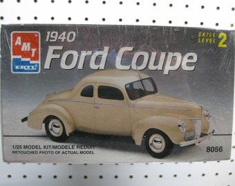Plastic model car kits