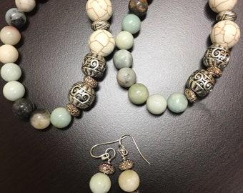 Agate beaded bracelets and earrings set