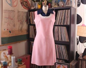 bubble gum pink mod 1960s shift dress, womens medium, Twiggy style knee length dress by Carole King, pink color block dress