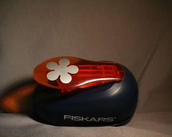 Fiskars Medium Flower Paper Punch
