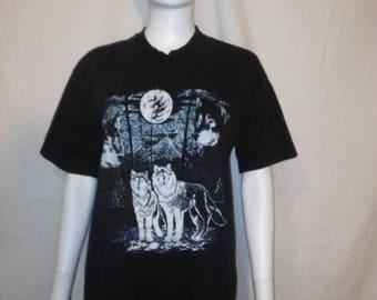 SALE 25% off SALE Wolf wolves black t shirt, Moon wolf t shirt, size XL wolf t shirt