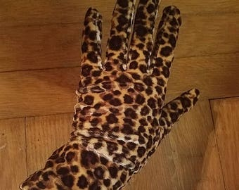 30% OFF Vintage Black Brown Leopard Print Gloves