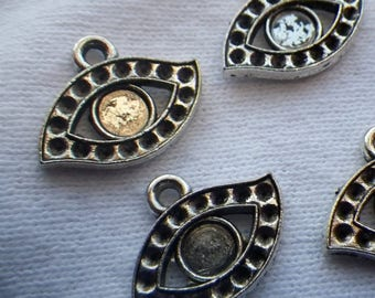 SALE 30% Off Sweet Eyes Antiqued Silver Charms with 5mm Center Setting and Settings for 1mm Chatons 8 Pcs