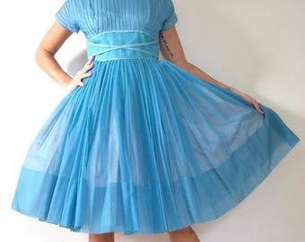 SALE SECTION / 50% off Vintage 50s 60s Morning Star Pleated Party Dress (size medium)