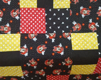 """51"""" X 51"""" MINNIE MOUSE Baby/Toddler Handmade Quilt"""