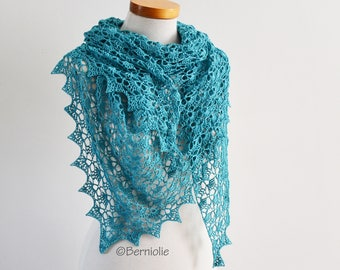 Lace crochet shawl, triangular