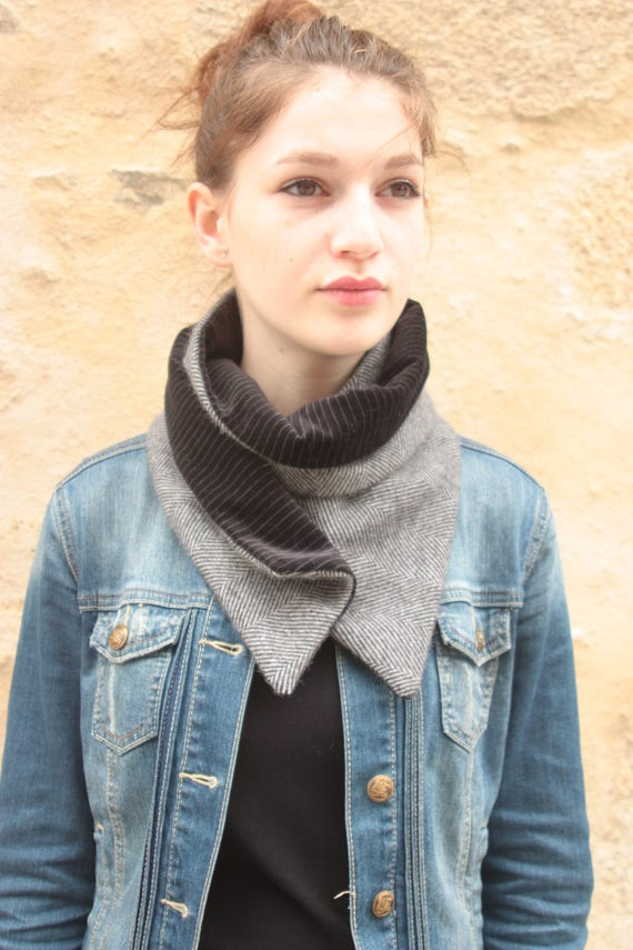 Scarf/cowl. Snap neck circumference. Chevron blue gray wool and velvet