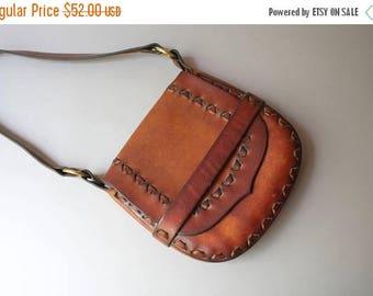 STOREWIDE SALE 1970s Leather Bag / Vintage 70s Bohemian Leather Shoulder Bag / 1970s Hippie Purse
