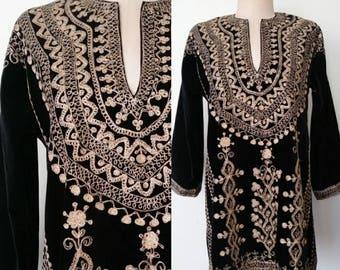 1960s Vintage / 60s VTG Black Velvet & Gold Metallic Tunic Mini Dress Sm