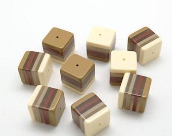 9 beads square plexi multicolor Browns