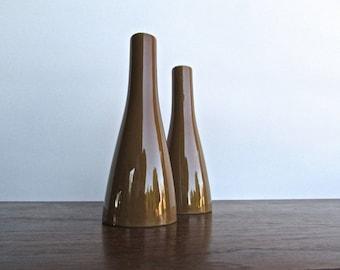 Mikasa Vintage Cera Stone Autumn-Brown Salt & Pepper Pillars, Minimalist Modern Design from Mid Century Japan
