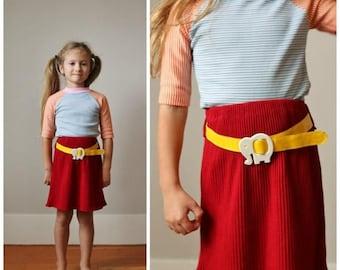 ON SALE 1970s Elephant Knit Skirt >>> Size 4t/5t