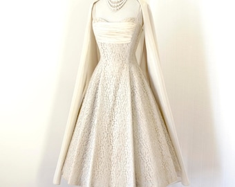 vintage 1950's dress ...decadent CARLYE rich lace well structured full skirt pin-up bridal prom formal dress and shawl