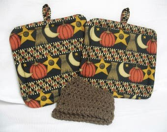 Halloween Harvest, Insulated Pot Holders, Set of 2, With or Without Crocheted Cotton Dishcloth, Hot Pad, Trivet