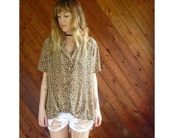 20% off SUMMER SALE. . . Silk s/s Cheetah Printed Button Down Shirt - Vintage 90s - L