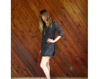 20% off SUMMER SALE. . . Metallic Crocheted Floral Mini Dress - Vintage 70s - XS/S Petite