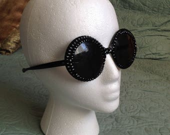 Very Rare Vintage Black Round Frame Sunglasses Shades Molded Textured Breakfast at Tiffany's 1960's Costume or Collectable FREE SHIPPING