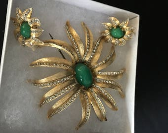Vintage Floral rhinestone green gold  brooch  and clip earring set