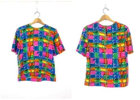 Pink SILK Geometric Print Short Sleeve Mod TShirt Boxy Top Puprle Blue Yellow Hipster Tee Vintage Womens size Medium