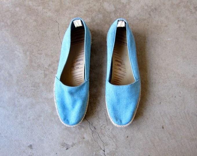 80s blue espadrilles shoes | womens size 9.5 | Vintage Cotton Denim Summer slip ons Grasshoppers wicker trim shoes preppy beach shoes