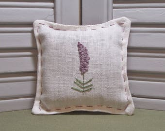 Lavender sachet, stitched by hand, drawer sachet, handmade gift, embroidery, flowers, filled with 100% dried lavender for a lovely aroma