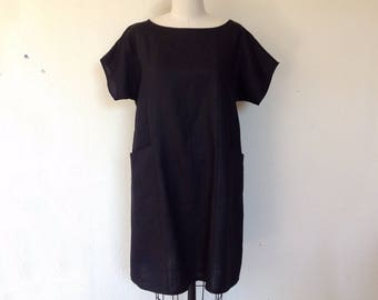 Lara Black linen pocket shift dress- Large