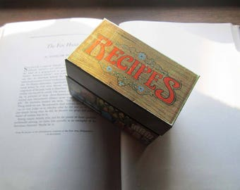 Vintage Tin Recipe Box ~ Vintage Hallmark ~ Kitchen Decor ~ 1060's 70's Tin Box ~ Bo ho Apt ~ ~ Farmers Market Decor  ~ Fruits Veggies Dairy