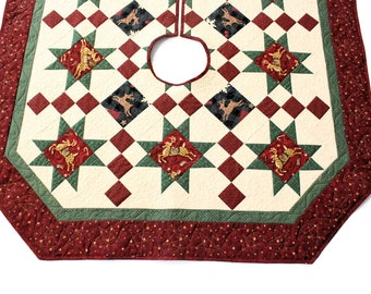 Reindeer Quilted Christmas Tree Skirt, Stars Tree Skirt Quilt, Burgundy Red and Green Country Christmas Quilt, Quiltsy Handmade Patchwork