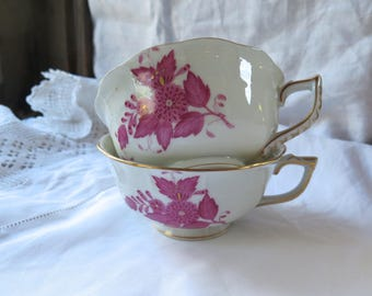 Antique Herend Tea Cups Pair Chinese Bouquet in Raspberry