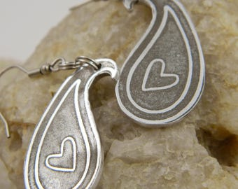 Etched Paisley Heart Drop Earrings