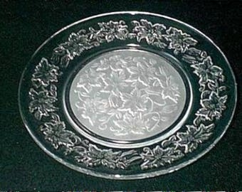 "Princess House Fantasia 10"" DINNER Plates Frosted Center Excellent"
